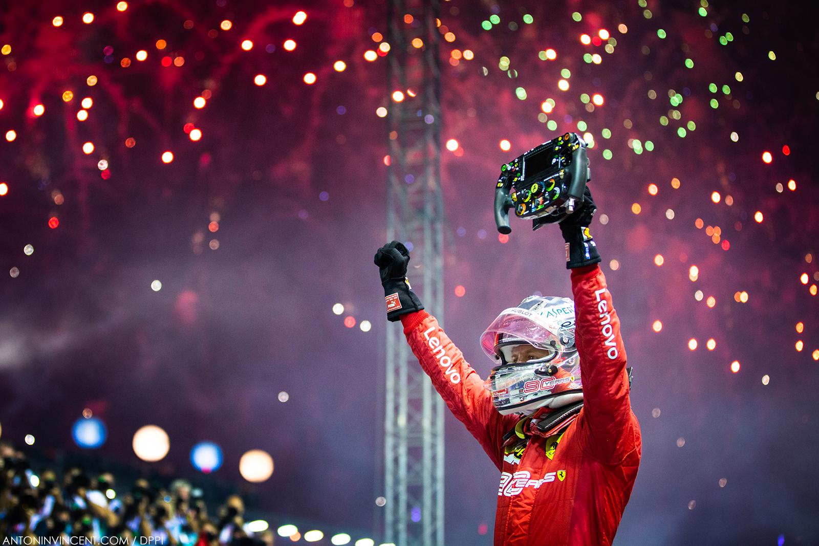 VETTEL Sebastian (ger), Scuderia Ferrari SF90, portrait celebration winning during the 2019 Formula One World Championship, Singapore Grand Prix from September 19 to 22 in Singapour - Photo Antonin Vincent / DPPI